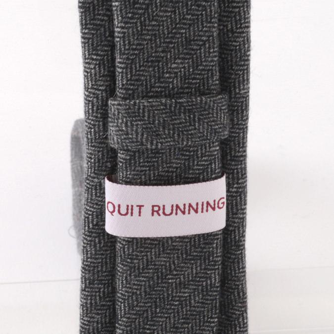 英国ブランドQuit Running ウールタイ  ブラック へリンボーン クイトランニング ギフトBOX付 ハンドメイド