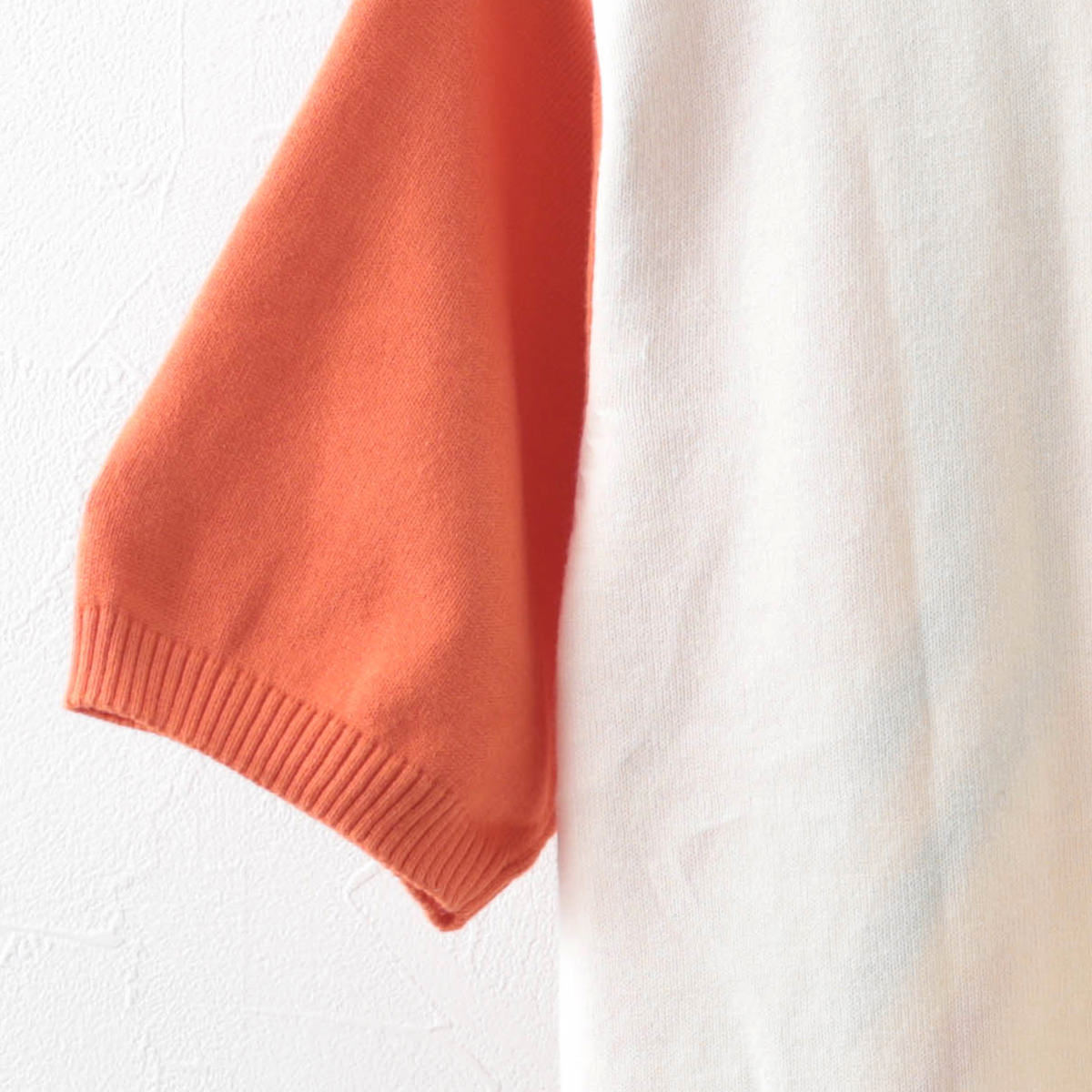 Madcap England マッドキャップ メンズ ポロシャツ ファネルネック ジップスルー ストライプ オレンジクリーム