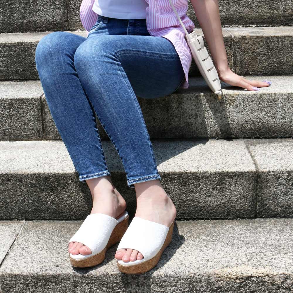 <121023-2111>coca / コカ エコレザー 8cm 美脚 ウェッジソール シンプルミュール ホワイト