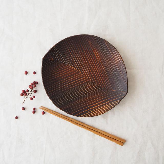 うるしの木の葉皿(21cm)と削り箸のギフト