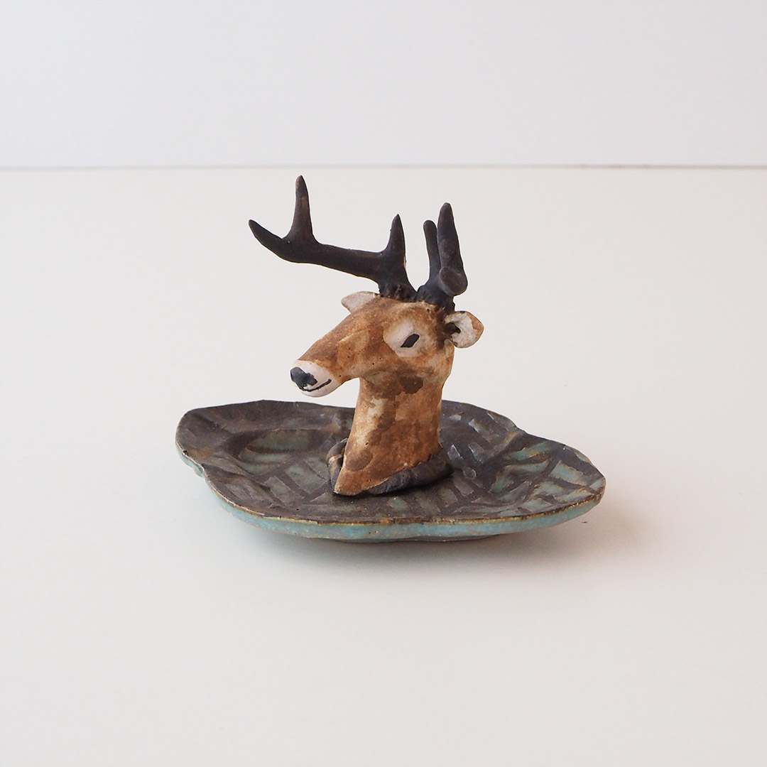 鹿のアクセサリートレイ