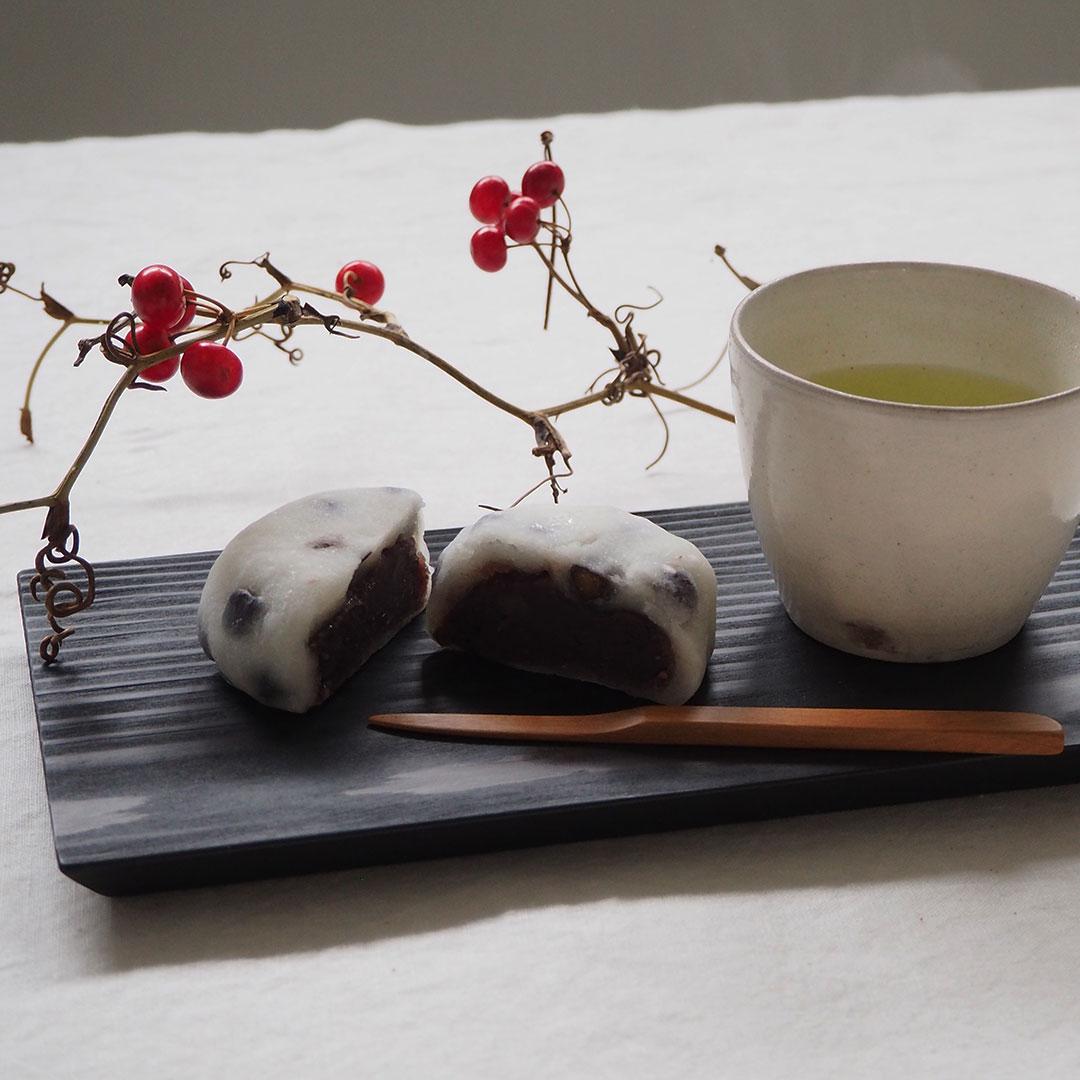 木の板皿(浮造り)/糸島杉/墨黒