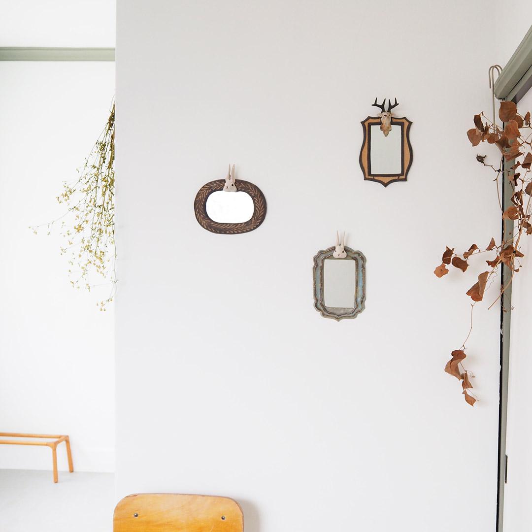 うさぎの壁掛け鏡