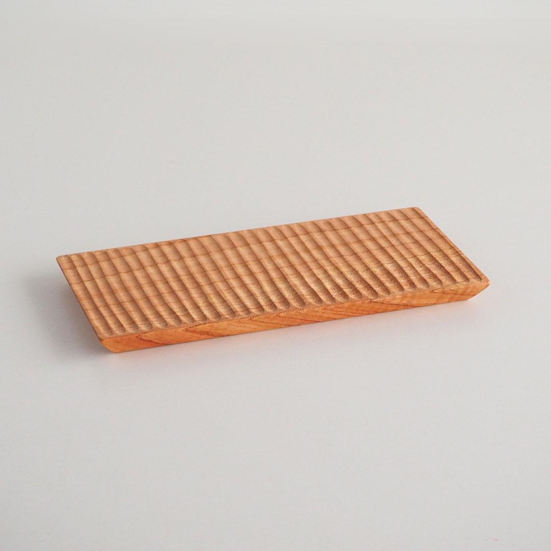 木の板皿/せんだん