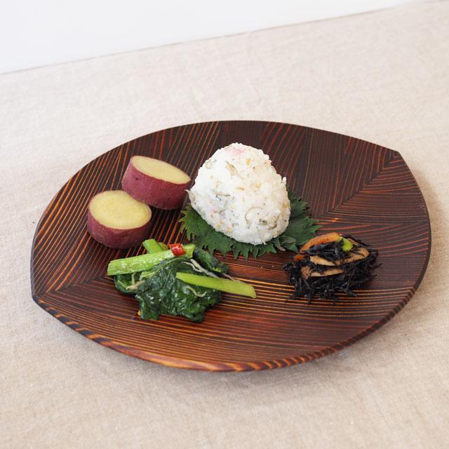うるしの木の葉皿と唐津焼のペアギフト