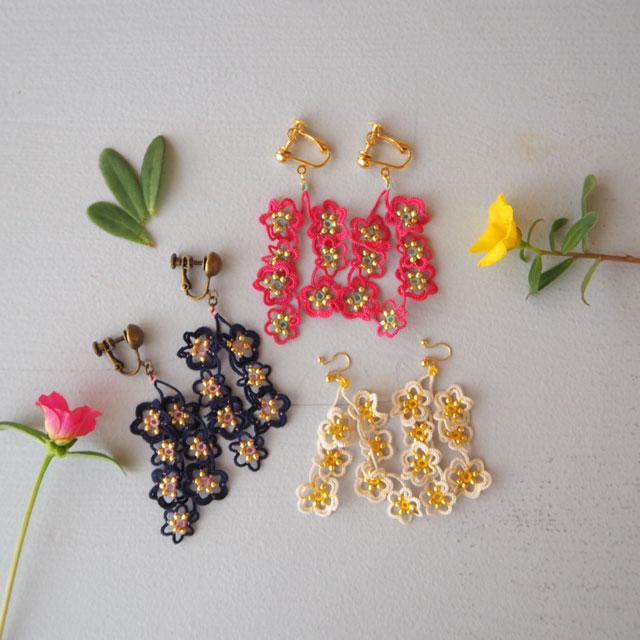 タティングレースのアクセサリー/flowerdropsイヤリング/スイセン