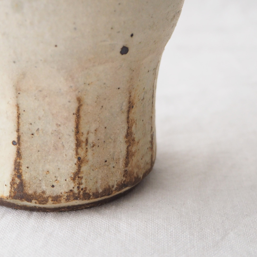 アイボリー釉/面取りフリーカップ/大