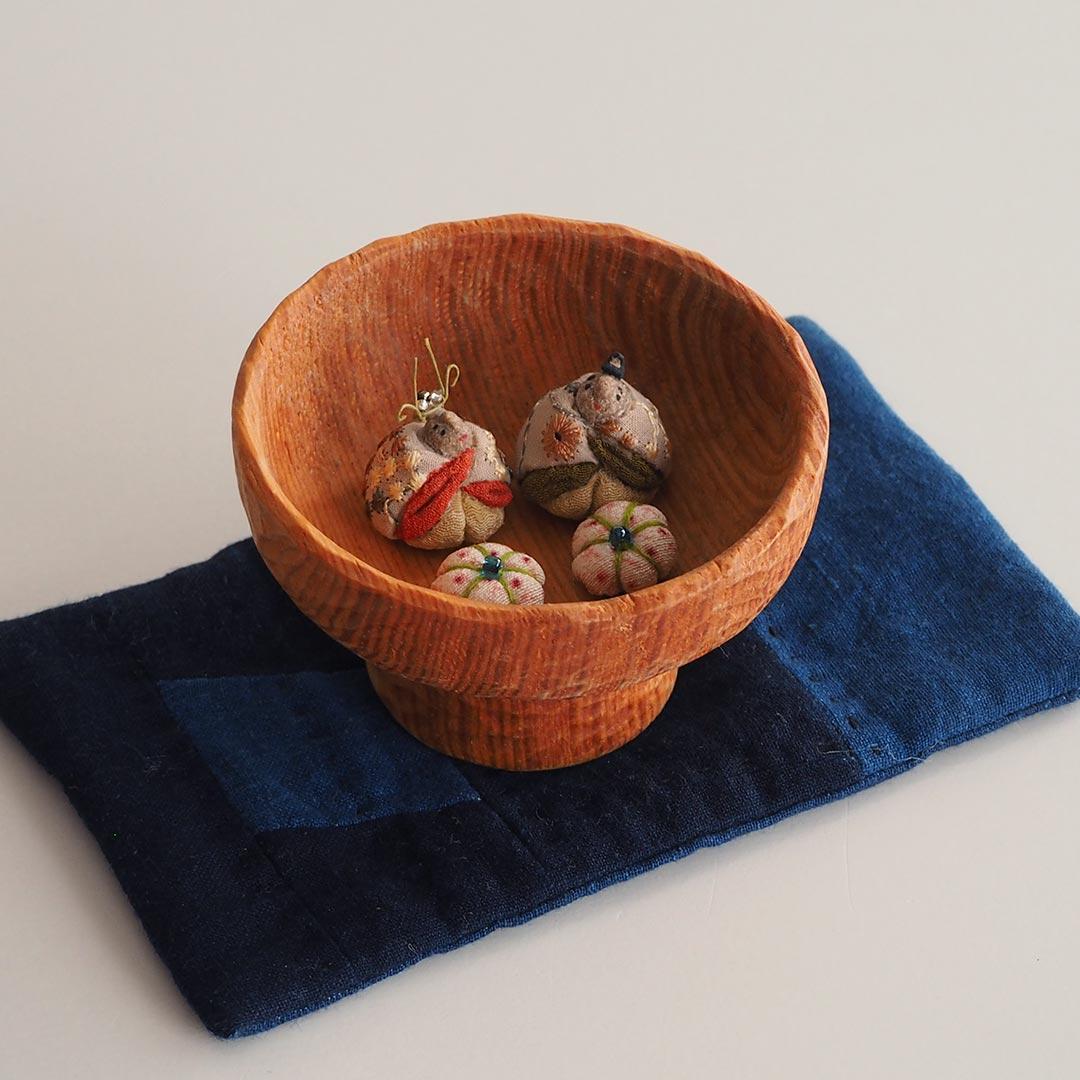 木目込みの豆雛/木杯付き