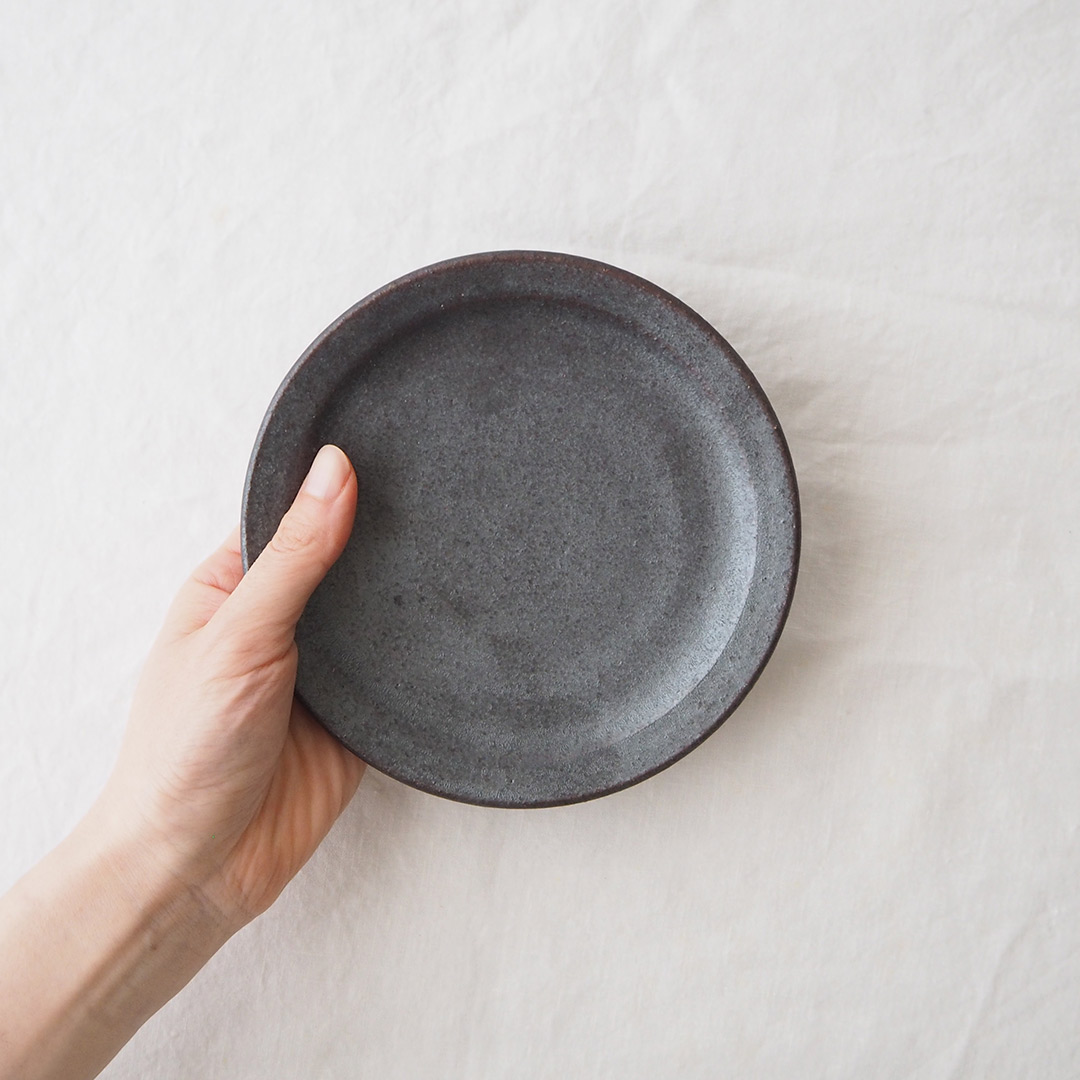 鉄灰釉/5寸プレート皿