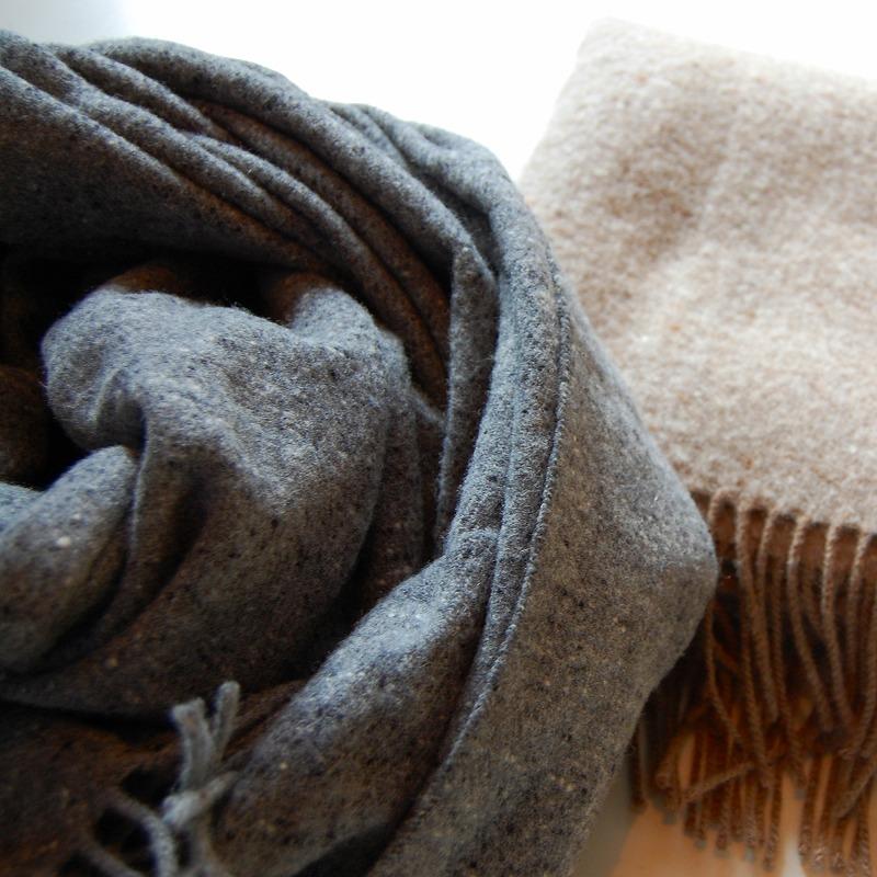 LAMBS wool stole