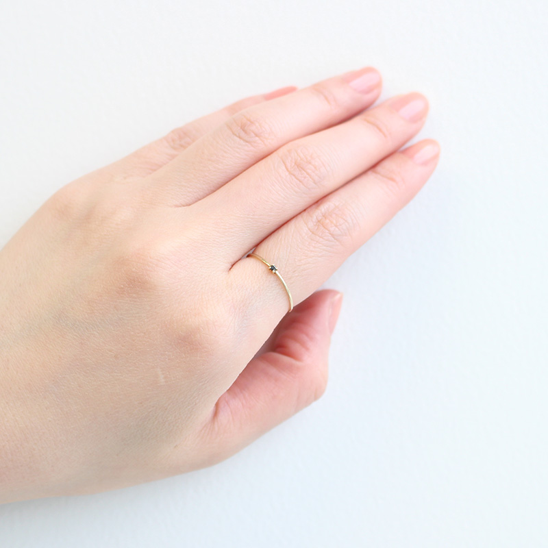 【4月 誕生石】K10YG 1粒ブラックダイヤ誕生石リング / 誕生石ピンキーリング 1〜18号【オーダーメイド商品】