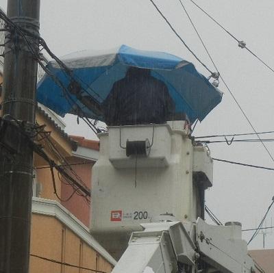 雨にも負けず、風にも負けず、日差しや熱中症にも負けない! 新構造によるバケットへの超強力なパラソルの取付力を実現! バケットパラソル取付具BP-1A