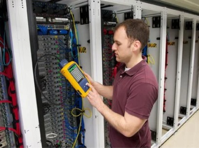 LANケーブルテスタの事実上の業界標準機種 DSX CableAnalyzer DSX2-8000 Cat.8まで対応