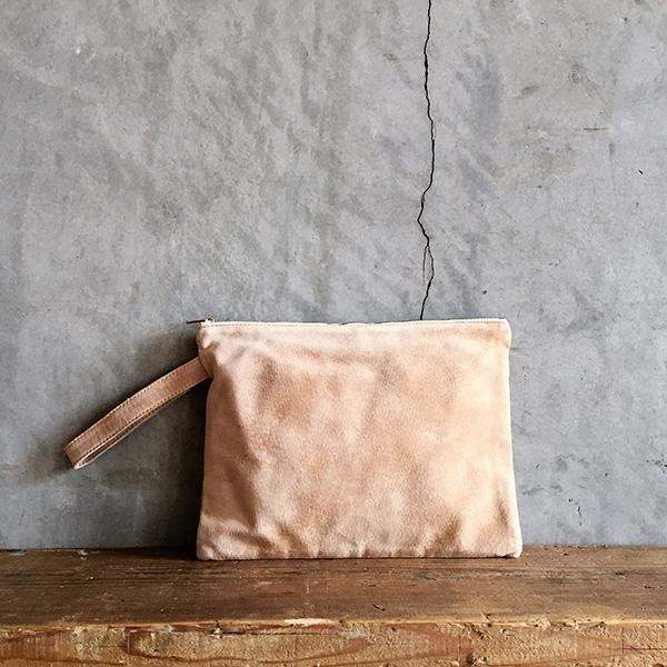 L1652 ウォッシャブル(洗えるレザー) クラッチポーチMサイズ ベージュ [washable clutch pouch M / beige]