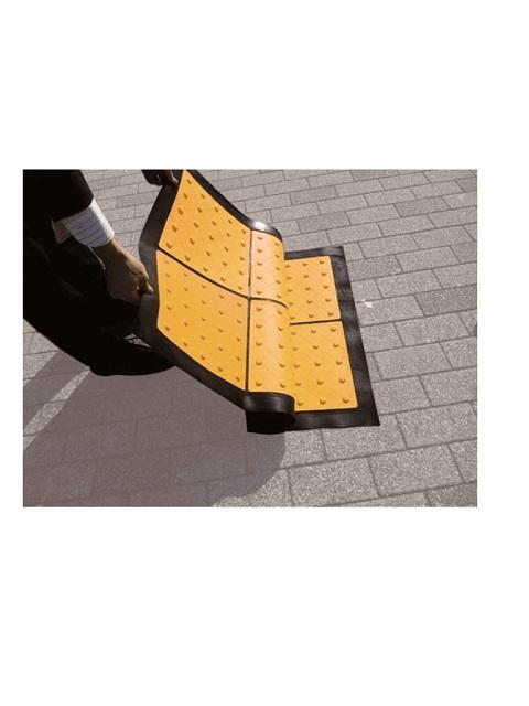 点字マット(折り畳み式) 300角 3枚X2列 ポイントタイプ