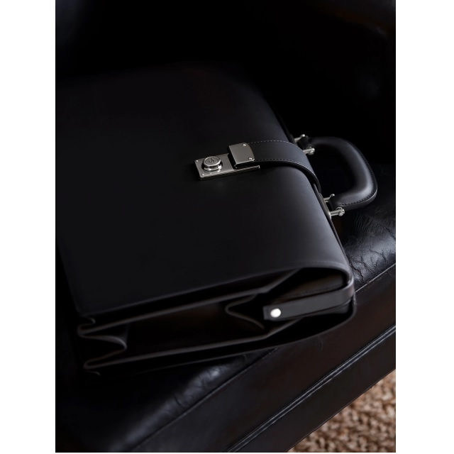 TRADITIONAL BRIEFCASE BLACK