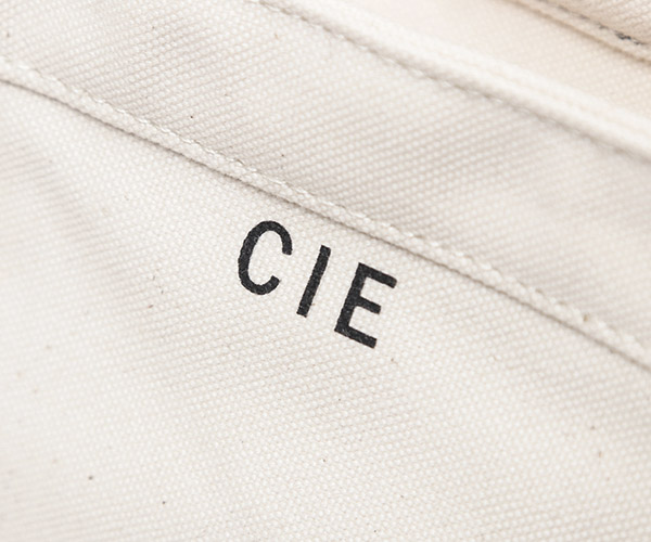 【選べるノベルティ付】 CIE シー ダックキャンバス トート トートバッグM (カラー:ホワイト) 041801