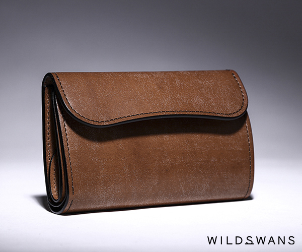 【選べるノベルティ付】ワイルドスワンズ フルグレインブライドル バーン 3つ折り財布(カラー:ダークステイン) FULL GRAIN BRIDLE BYRNE WILD SWANS