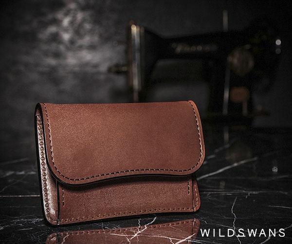 【選べるノベルティ付】ワイルドスワンズ フルグレインブライドル タング コインケース(カラー:ダークステイン)FULL GRAIN BRIDLE TONGUE WILD SWANS