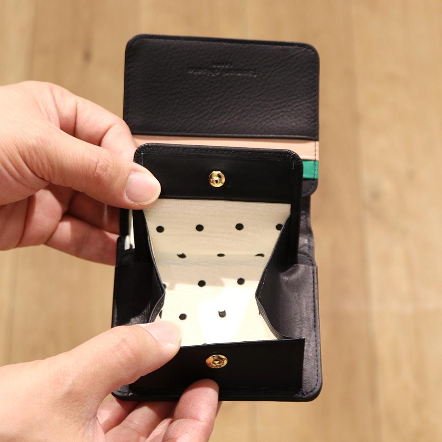 【選べるノベルティ付】 tsumori chisato ツモリチサト エンブロイダリー 折財布 (カラー:ブラック) 57597