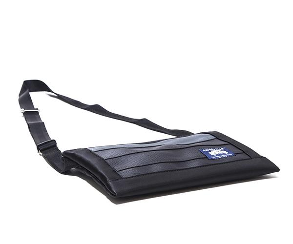 【選べるノベルティ付】 クールキャットオリジナル シートベルト サコッシュS(カラー:ブラック)