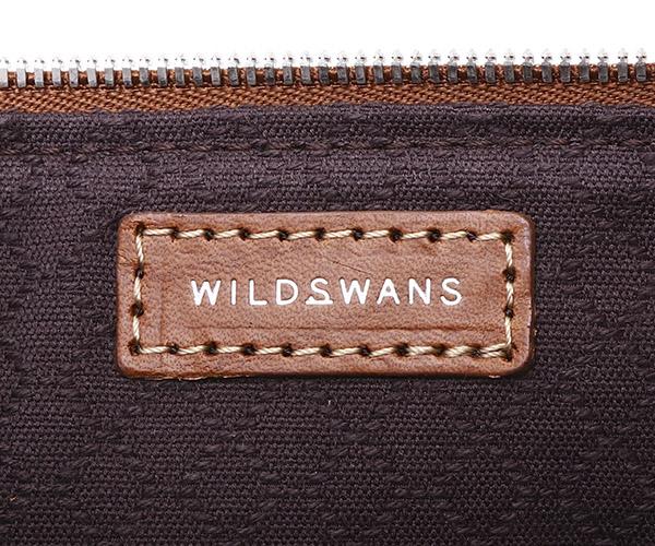 【選べるノベルティ付】ワイルドスワンズ モンパルナス フラット M ポーチ(カラー:キャメル)MONTPARNASSE FLAT  WILD SWANS
