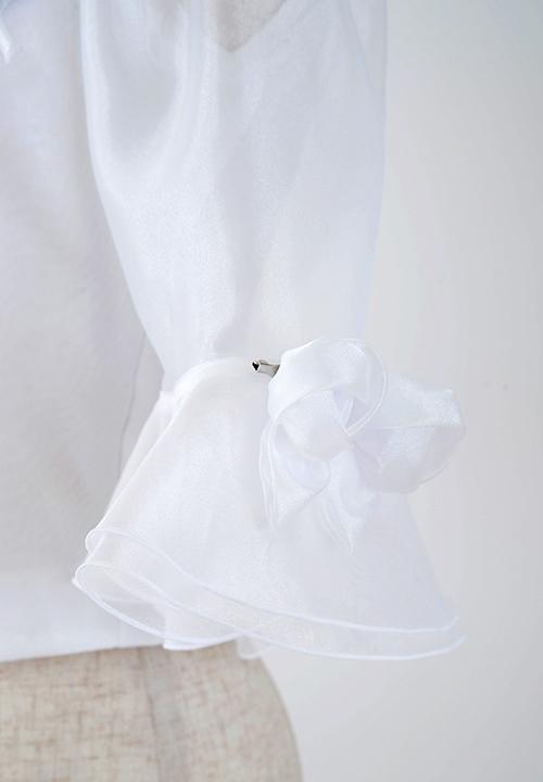 5652<br>コサージュ付きブラウス<br>衣装 ステージ 演奏会 結婚式 パーティー舞台 コーラス ピアノ フォーマル オーケストラ 第九 カラオケ 白いブラウス 日本製 国産 ポリエステル100%