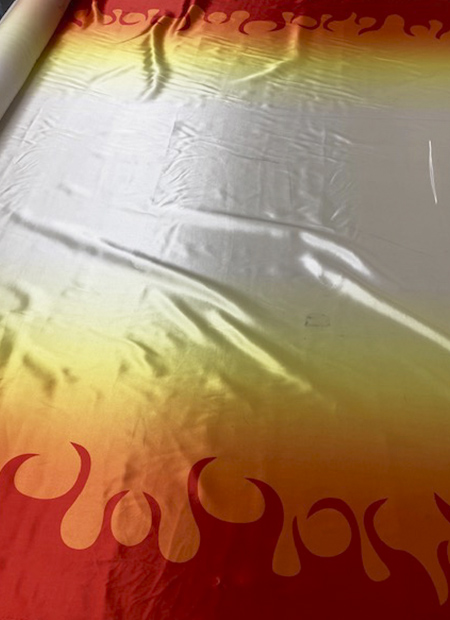 170600<br>鬼 のような サテン プリント<br>生地 布 布地 市松 麻の葉 炎 ボーダー 和柄 和装 ハンドメイド 衣装 コスプレ コスチューム ダンス バトン バレエ ステージ スカート ワンピース ブラウス ポリエステル 多色