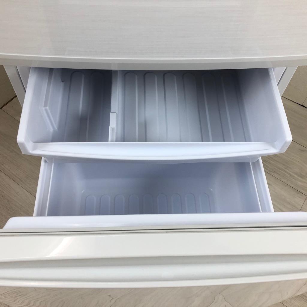 中古 137L つけかえどっちもドア ホワイト 2ドア冷蔵庫 シャープ 自動霜取りファン式 2017年〜2018年製造 単身用 一人暮らし用 白 6ヶ月保証付き【型番掲載商品】