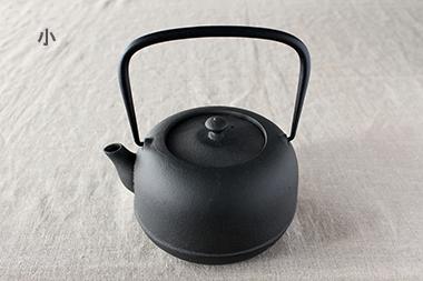 水沢姥口鉄瓶 (東屋)