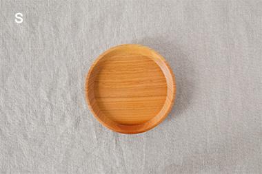 山桜のお皿 (woodpecker)