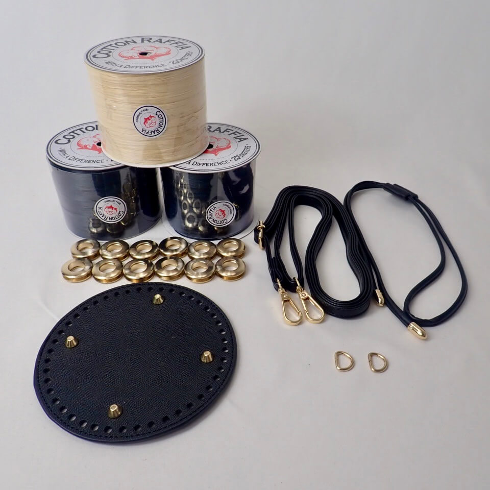 〈キット〉「モザイククロッシェ巾着バッグ」キット(ブラック×ナチュラル) Designed by Ami-Chiku labo