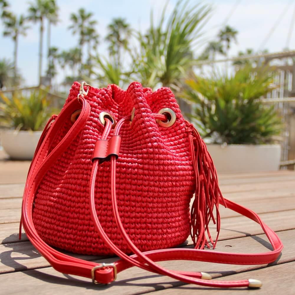 フリンジ巾着バッグ キット <ラフィア糸で簡単細編みの、おしゃれなフリンジ付き巾着バッグ>