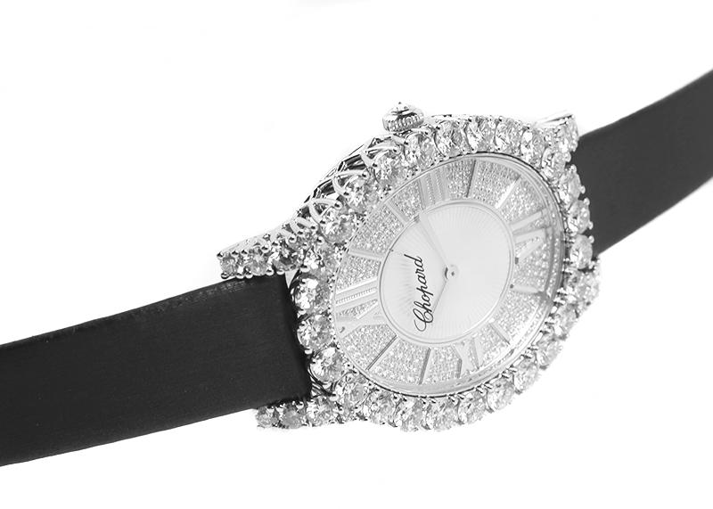 ショパール 139383-1201 ルール ドゥ ディアマン ミディアム オーバル WG ダイヤモンド文字盤 手巻き サテン