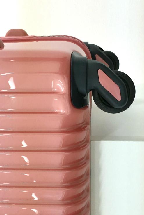 [TORIO]カーゴ/CARGO   ピンク 細部までスタイリッシュなスーツケース 大型84L軽量4.0Kg TSAロック付き