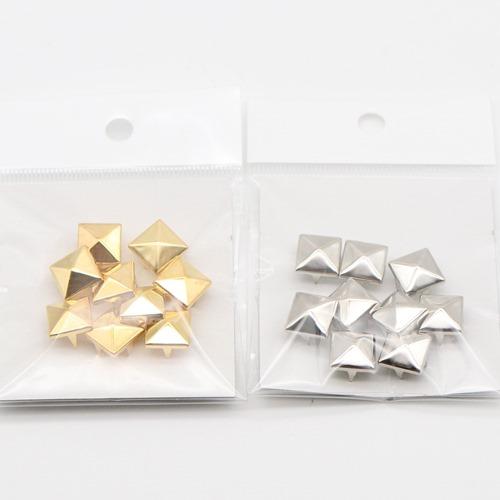 スタッズ ピラミッド(12×12mm)9個入
