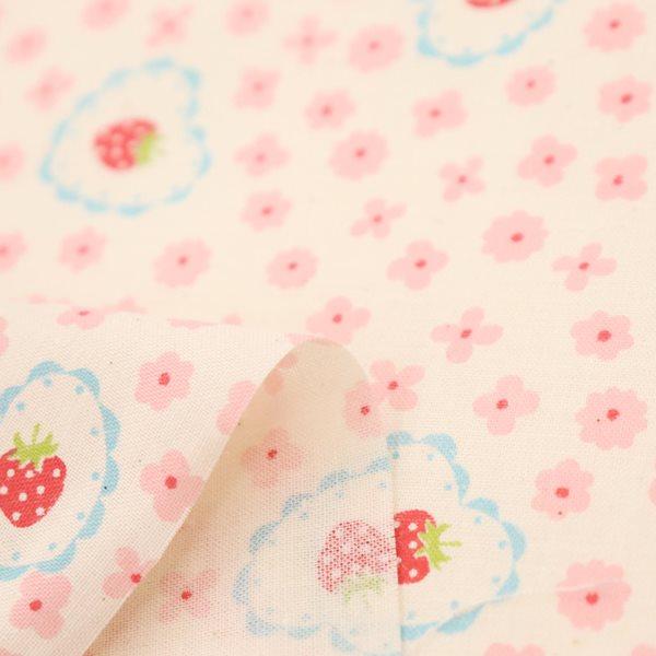生地 スケアープリント いちごハート小花柄