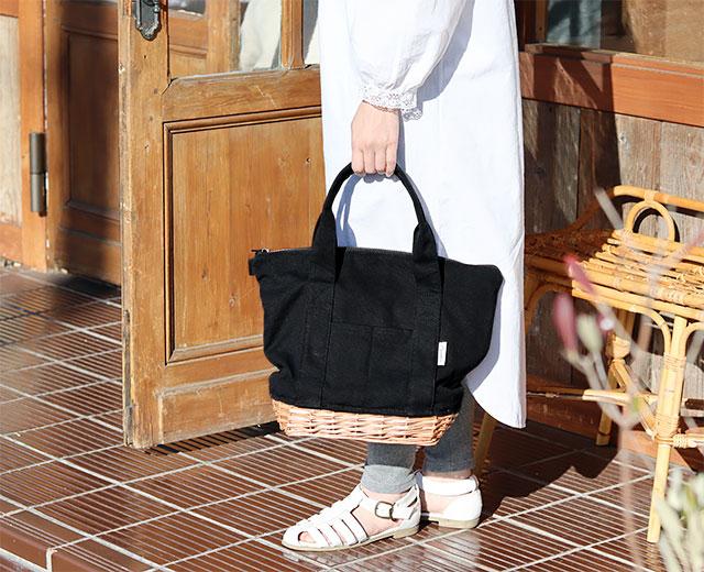 柳キャンバス クーラートートバッグ (ブラック / ホワイト) CARMELINA / カルメリーナ WPL md