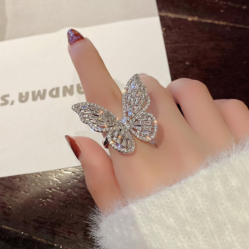 指輪 蝶々 大きめ レディース リング バタフライ 韓国 ファッション チョウチョ 大きい アクセサリー ジュエリー 女性 おしゃれ かわいい かっこいい シルバー ゴールド 韓国ジュエリー 韓国アクセ