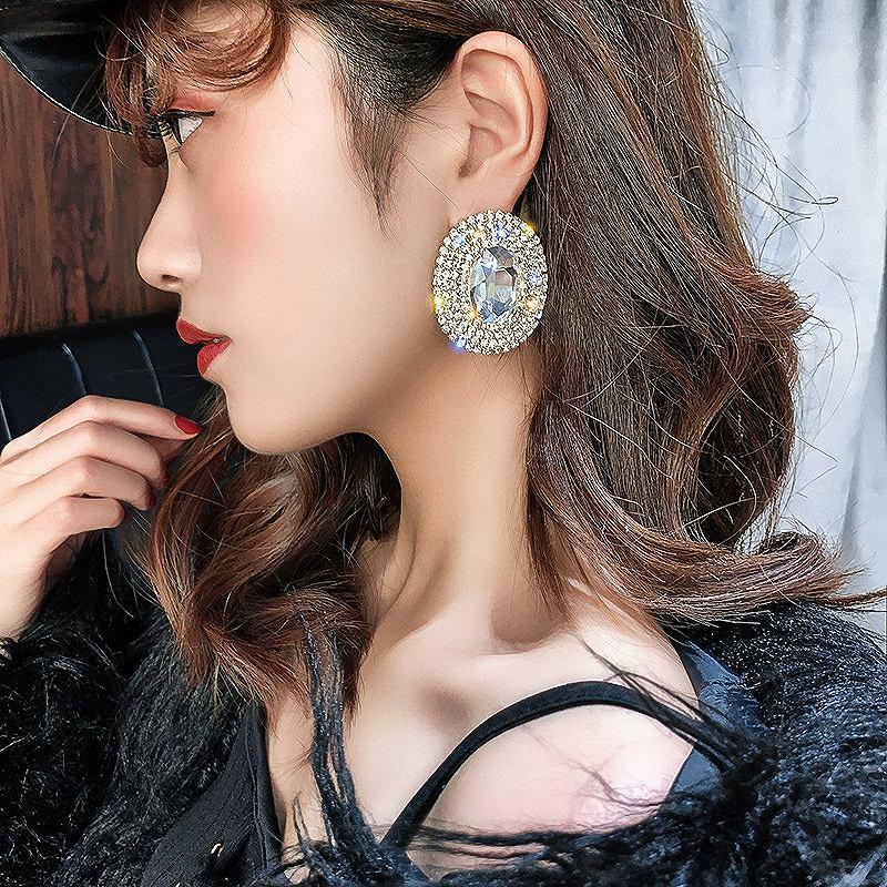 ラウンドピアス 大きめ 大きいピアス レディース シルバー ゴールド キラキラ ビジュー アクセサリー 結婚式 シンプル 上品 韓国ピアス 韓国ファッション 女性 韓国ジュエリー 韓国アクセ おしゃれ かわいい かっこいい