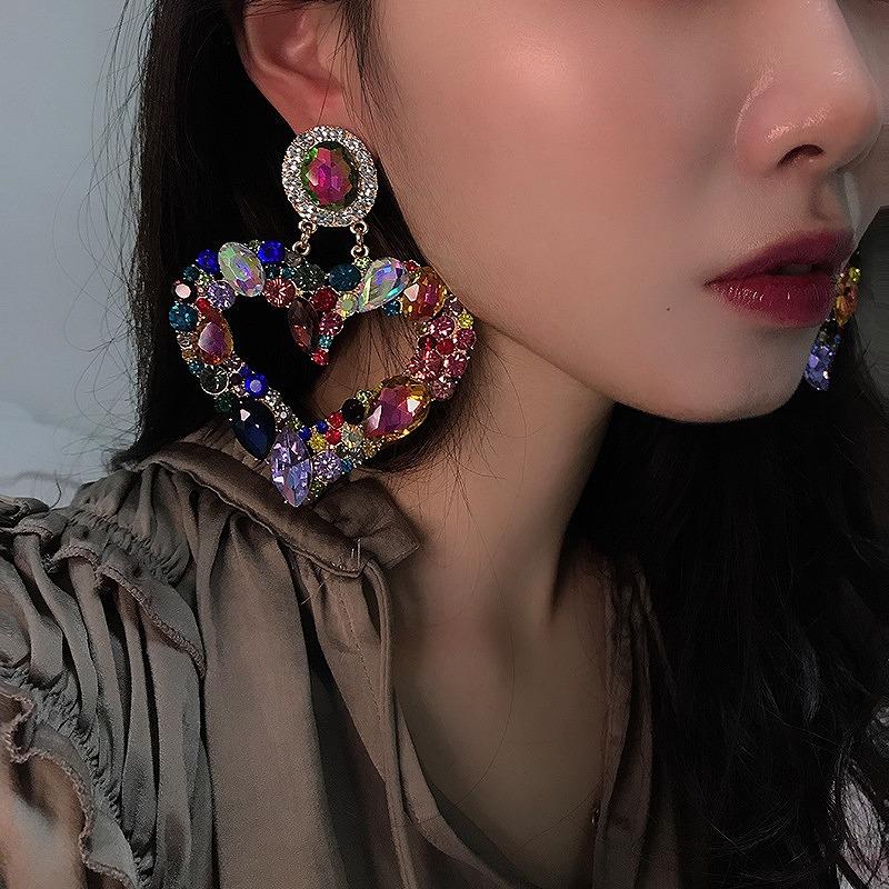 ハートピアス 大きめ 大きいピアス ビジュー ストーン キラキラ アクセサリー ストリート ロック パンク ヒップホップ コスプレ ダンス 衣装 韓国ピアス 韓国ファッション 女性 韓国ジュエリー 韓国アクセ おしゃれ かわいい かっこいい