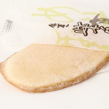 今屋:金沢銘菓 「柴舟(14枚入)箱入り」生姜と砂糖を煎餅に塗った上品な甘さ