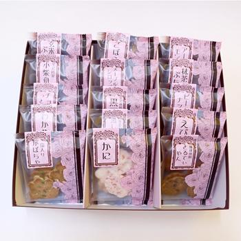 今屋:百通りのご縁「金沢百縁煎餅色々 15袋入り箱包装」食べきりサイズのお煎餅詰め合わせ