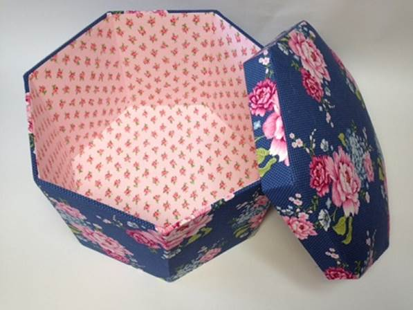 7角形ブルーボックス