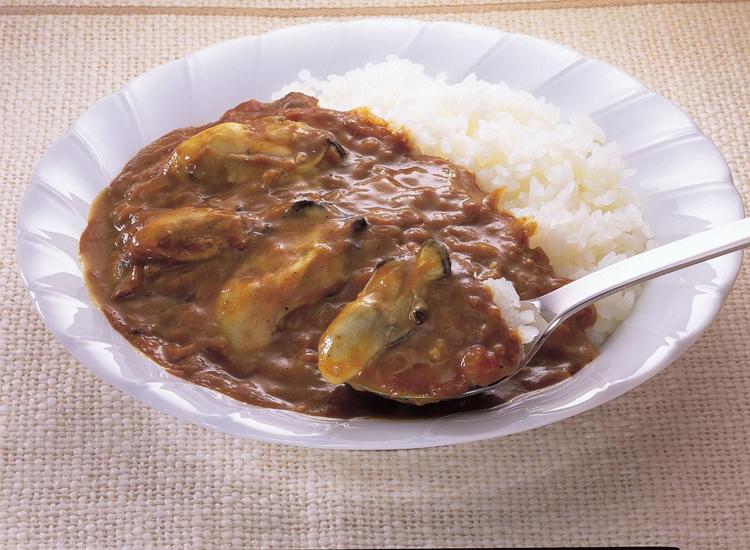 広島・名産かきカレー 広島ご当地カレー <かきがゴロリと入ったカレー。>