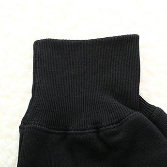 パーカー 黒×ホワイトロゴ