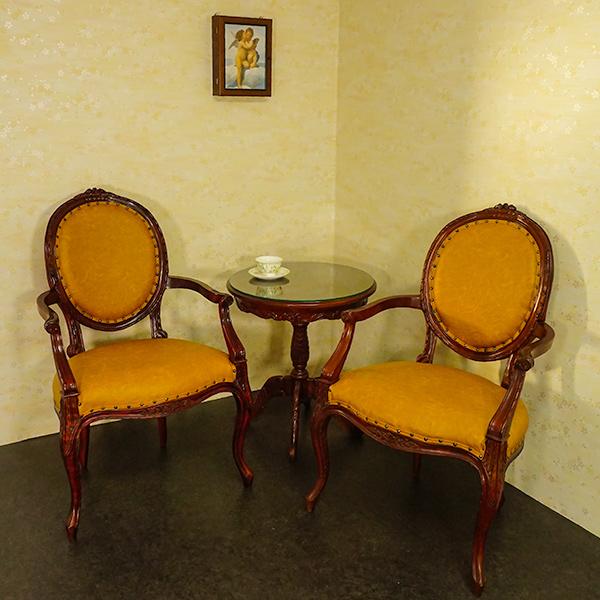 数量限定 激安 在宅勤務 アームチェア PVCブラウンとサイドテーブル3点セット  マホガニー材使用