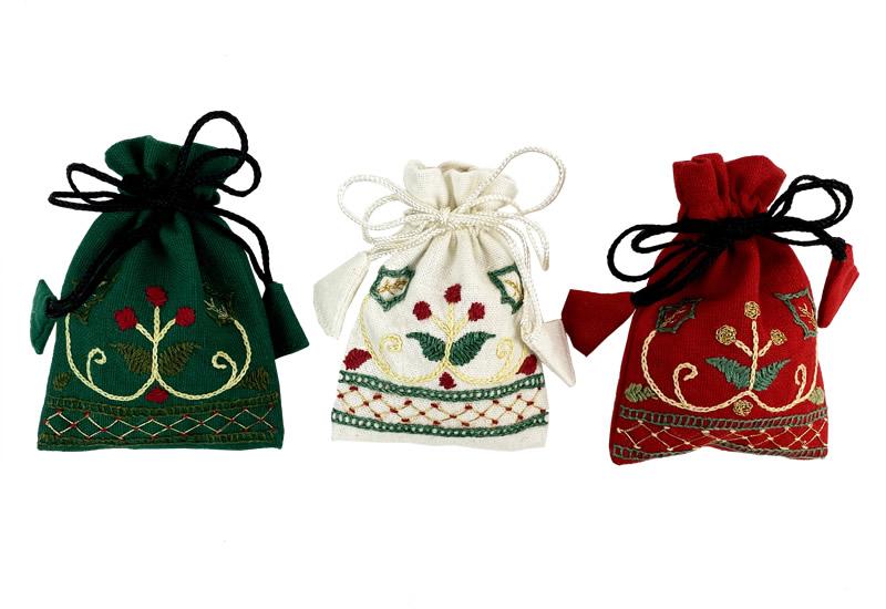 刺繍巾着 クリスマス柄 3色セット