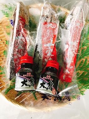 送料無料 高知特産 鰹タタキ700g 3節(タレ2本) ギフト 内祝 贈り物 お誕生日 かつおたたき 合格祝い