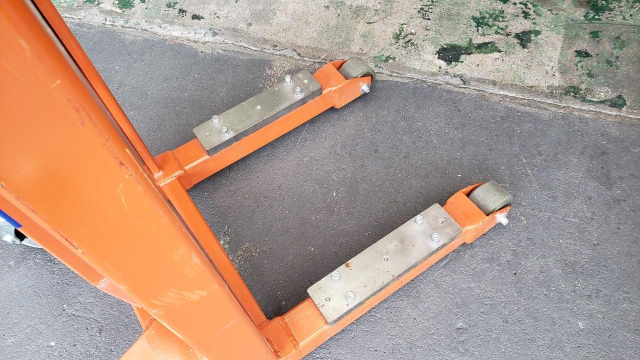中古品 ハンドリフター250kg カルルL